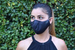 COVID : Doit-on porter un double masque pour mieux se protéger ?